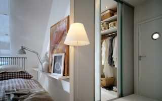 Интересные примеры полок и стеллажей для гардеробных комнат