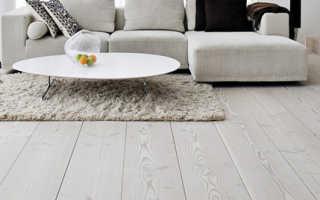 Деревянный темный пол, элегантный выбор для любой комнаты в доме