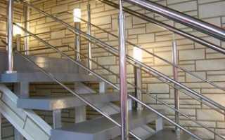 Делаем лестницу безопасней с помощью ограждения и перил из металла
