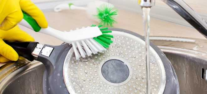 5 способов быстро отмыть пригоревшую чугунную сковородку